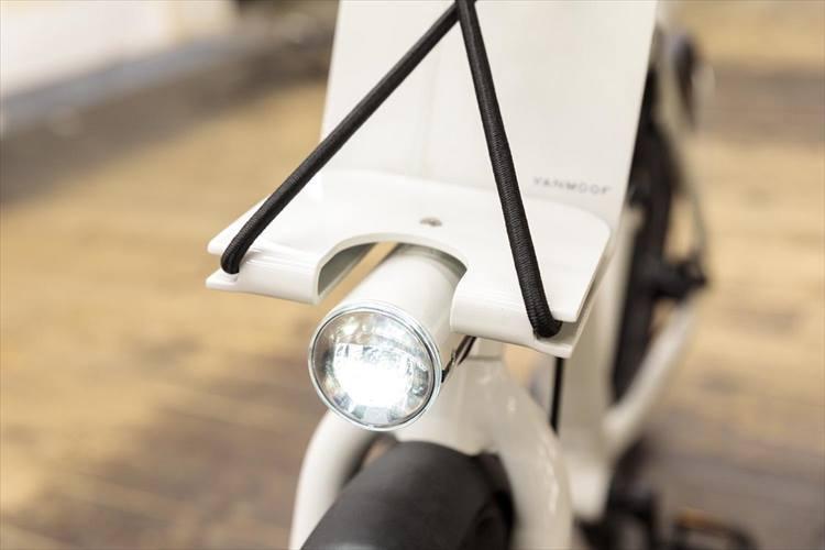 スマートライトシステムは照明の明るさを調節可能。 ※2018年5月取材