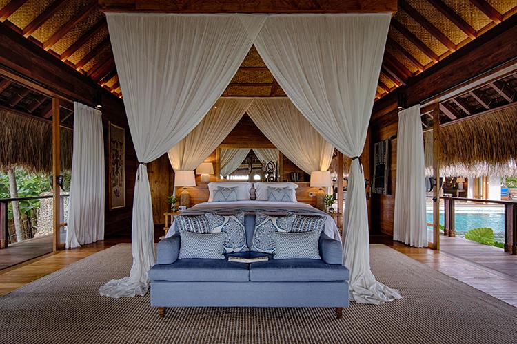 ラジャ メンダカ レジデンスのベッドルームの一つ。レジデンス内の5つのベッドルームは、それぞれ独立した1ヴィラとしても利用可能。