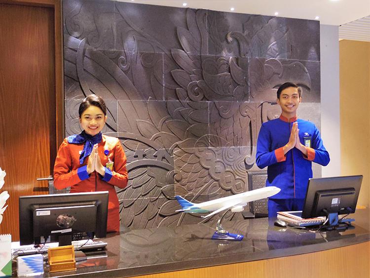 ラウンジのインドネシア流の歓迎がうれしい。