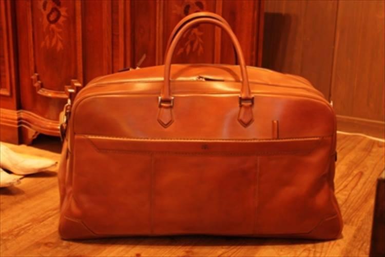 旅行にも使えるボストンバッグ。フルオーダー30万円〜。