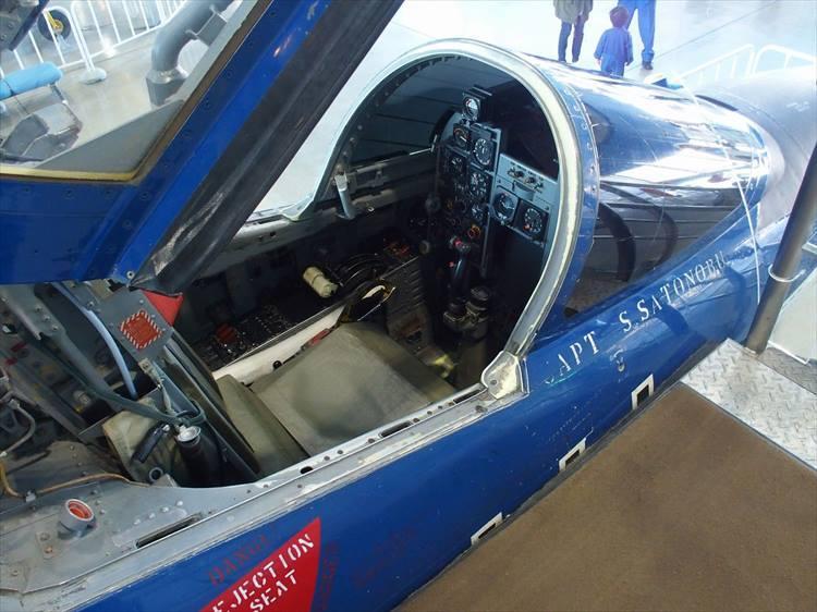 T-2超音速機練習機(ブルーインパルス仕様)のコックピット