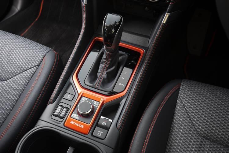 スバルいわく「冒険心をかきたてるデザインとアイテムを備え、アクティブさをより際立たせたモデル」とのことだが、確かにオレンジの差し色などが非常に効果的かつ嫌味がなく、長時間・長距離のドライブであっても心身ともにまったく疲れなかった。2.5Lの直噴水平対向4気筒エンジンのトルク感も素晴らしいものがある。