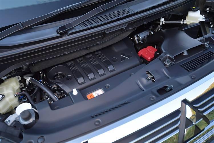 マイナーチェンジ前モデルでも人気だったディーゼルエンジンをさらに改良。NOxを浄化する尿素SCRシステムなどを採用し、環境性能、燃費性能ともに高められている。