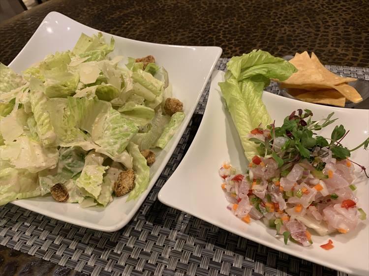 シーザーサラダと魚介のセビーチェ。酸っぱいものを求める時って、体が疲れている証拠だとか