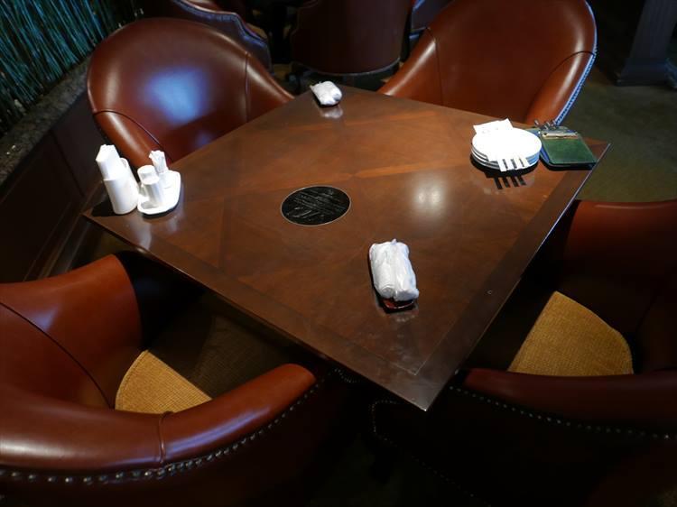 クラブハウス2階のレストランには「ケプカ・シート」と呼ばれる特等席があります。大会のとき、いつもケプカが座るお気に入りのシートなのだとか。