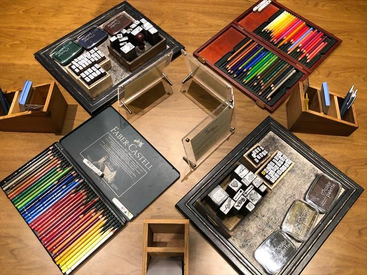 ドイツ「ファーバーカステル」の色鉛筆や、大阪「ゴービー」のスタンプなど、こだわりのツールが取り揃えられています。キッズたちは、お絵かき気分で手紙を書いていました。