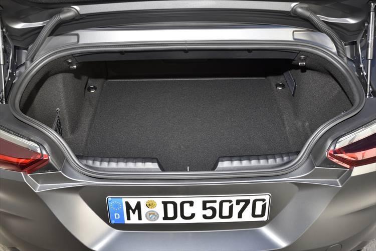 BMW Z4のラゲージルーム