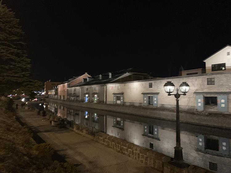小樽の夜景。泊まらないとその魅力はなかなかわからない