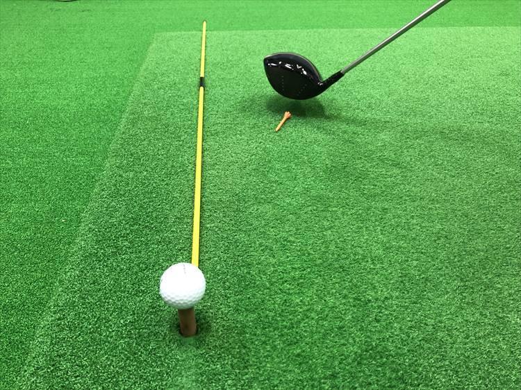 ※ 実際にボールを打つときには、目印だけにして飛球線を示すものは外しましょう。くれぐれの周りの安全を注意して行ってください