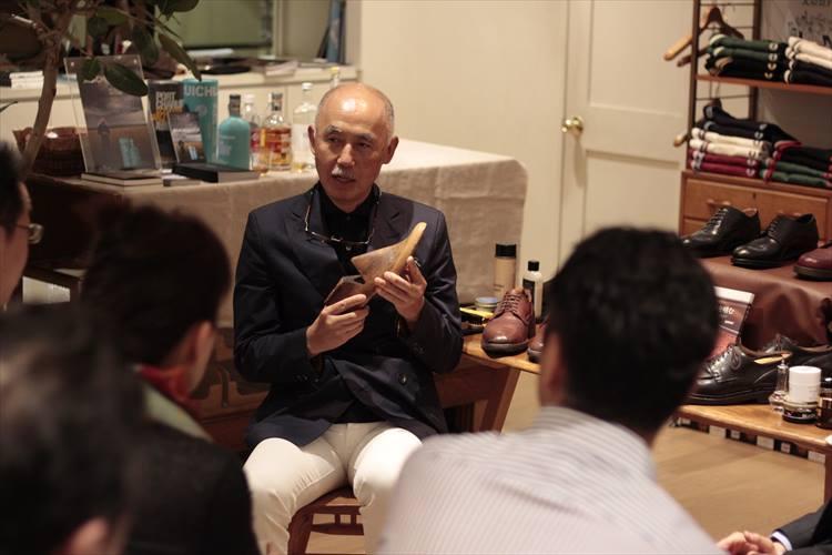 2017年、渡辺さんの著書『一流の人はなぜそこまで、靴にこだわるのか?』が出版された。同年5月には出版を記念して、服飾ジャーナリストの飯野高広さんとのトークイベントを開催。