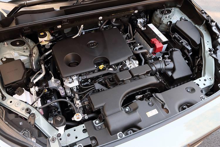 新型RAV4の燃費性能を誇る2?エンジンと25.0?25.2km/?の2.5?エンジン+モーター