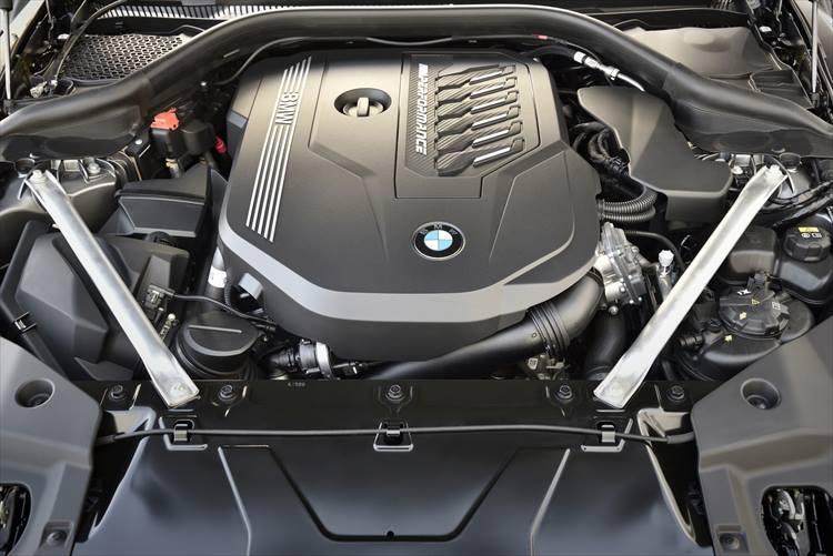 M40 iが積む最高出力340psを誇る直6エンジン