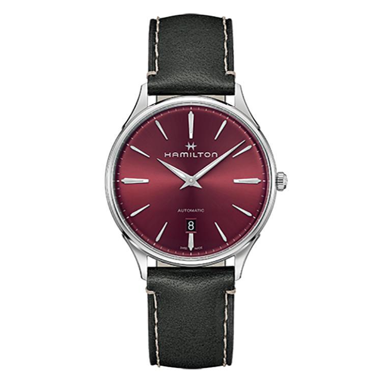 <b>HAMILTON(ハミルトン)<br />ジャズマスター シンライン オート</b><br />サンレイ加工の赤文字盤がメタリックに煌めき、シンプルな薄型時計を華やかに見せる。ストラップを簡単に交換できるのも◎。自動巻き。径40mm。SSケース。10万4000円(ハミルトン/スウォッチグループ ジャパン)