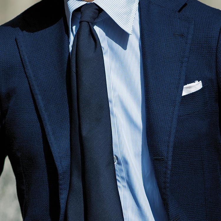 【1分で分かるスーツのお洒落】紺ジャケ&紺ネクタイで、いつもより洒脱に見せるには?