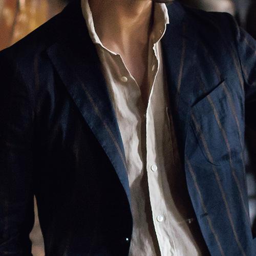 休日ジャケット、ノータイで着るならこんなシャツ【1分で出来るスーツのお洒落】