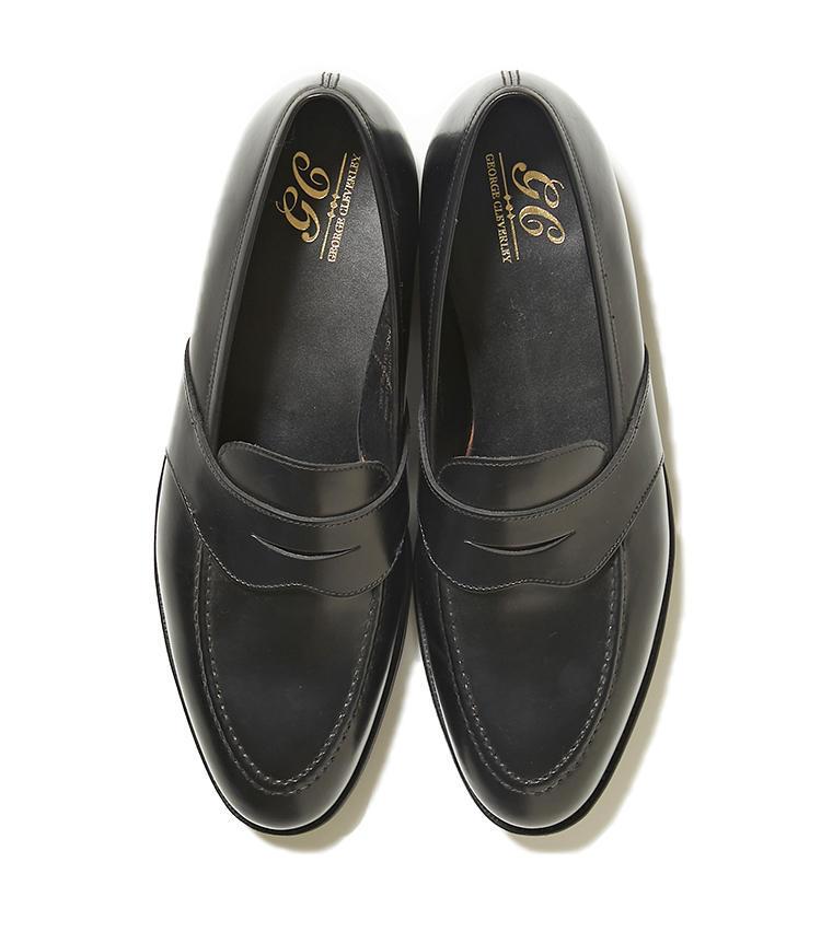 <b>20.ジョージ クレバリーの黒ローファー</b><br />こちらも19と同じジョージ クレバリー製の黒ローファー。キャバルリーカーフ素材の艶めきは、カジュアルスタイルにも品をもたらしてくれる。12万円(リングヂャケットマイスター206 青山店)