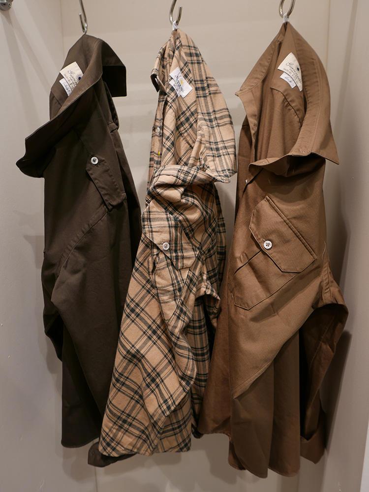 <b>ジャンネット</b></br>ジャンネットはっブラウン系のシャツアウターバリエーション。胸ポケに、エポレット付きも。