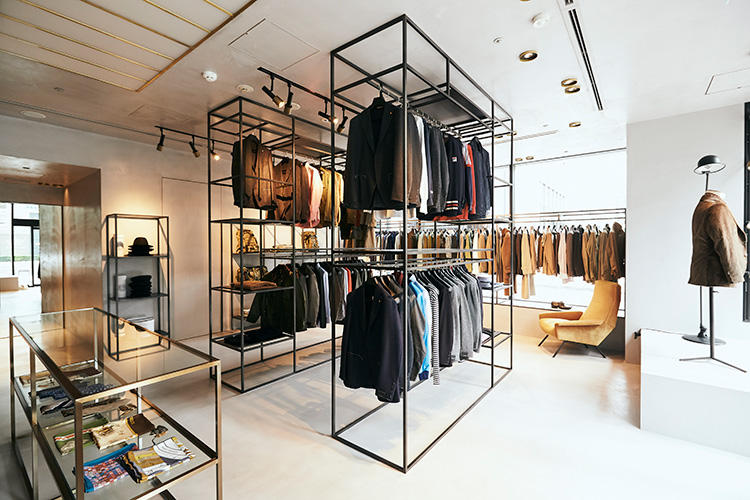 9譛・2譌・蜈ャ髢九さ繝ュ繝阪ャ繝・fashion_190912_coronet_19.jpg