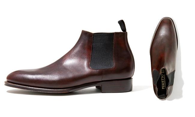 <strong>PERFETTO / ペルフェット</strong><br /><h3 class='h3' style='margin-bottom: 5px'>日本の靴職人の高度な技が炸裂</h3><p>靴好きの間で評判が高い国産ブランドのチェルシーブーツ。イタリア、イルチア社の上質な革や繊細なステッチワークなど、細部の徹底的な作り込みはラテン靴を凌駕する官能美だ。グッドイヤー製法。踵の高さ9cm。5万3000円(ビナセーコー)</p>