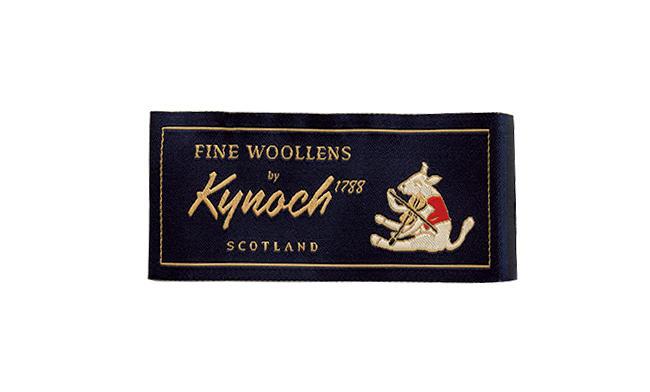<strong>カントリーテイストの名手「カイノック」</strong><br />1788年にスコットランドで創業。ジャケット生地で知られる。「梳毛・太番手で作られるファンシー素材に、少しだけカントリーテイストを加えてくる。この按配が抜群にうまいですね」