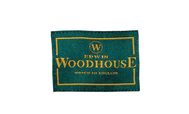 <strong>ファンシーさとアーバンの融合「エドウィン ウッドハウス」</strong><br />創業は1857年の老舗メーカー。「ファンシーさの中に英国カントリーのムードも感じさせる。カイノックに近いテイストもありますが、こちらはより都会的なニュアンスを備えた実力派です」