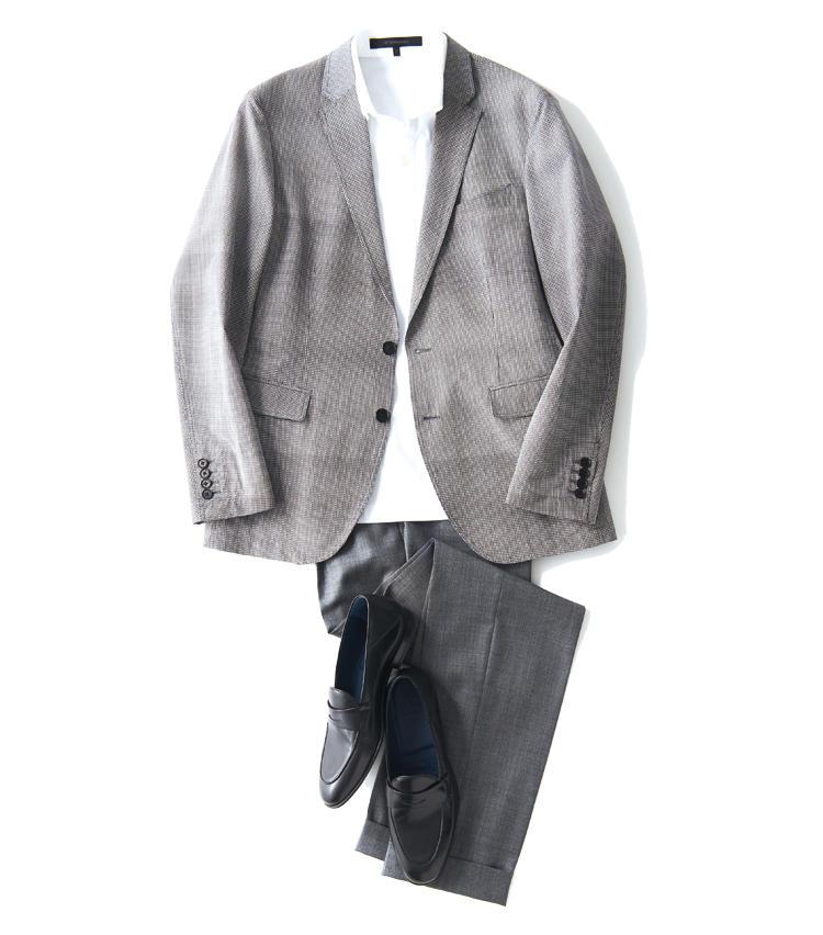 <span style='font-size:1.1em; background-color:#099;color:#ffffff;padding:5px;'>JK単品で</span><br /><br /><strong>白ポロのヌケ感がジャケットを軽快に見せる鍵</strong><br />ジャケット単品なら台襟付きの白ポロで若々しい印象に。グレーのウールパンツに黒スムースレザー靴で落ち着かせる。大人のエレガンスを忘れてはならない。<br />ジャケットは写真一枚目ジョゼフオムと同じ。ポロシャツ1万2000円/デザインワークス(デザインワークス ドゥ・コート銀座店) パンツ3万7500円/インコテックス(シップス 銀座店) 靴2万円/チェルベロ(ナノ・ユニバース カスタマーサービス)