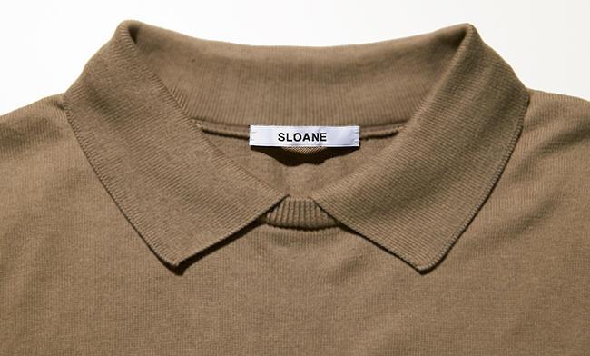 <strong>SLOANE / スローン</strong><br />丸首の柔和さを感じる変形襟。