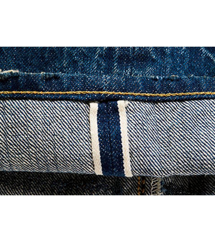 <span style=font-size:1.1em;><strong>デニム生地もヴィンテージを再現</strong></span><br />1947年のヴィンテージデニムを再現し、縦に7番、横に7.4番の糸を用いた生地。セルビッジは珍しいピンクで、洗うと白に退色する。