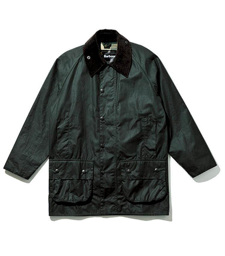 <strong>【殿堂モデル1】</strong><br><br><span style=font-size:1.1em;><strong>ビューフォート</strong></span><br>ハンティング用に1983年に開発されたモデルで、背面には仕留めた獲物をしまうゲームポケットを装備。ジャケットの裾が隠れる長めの着丈。5万5000円