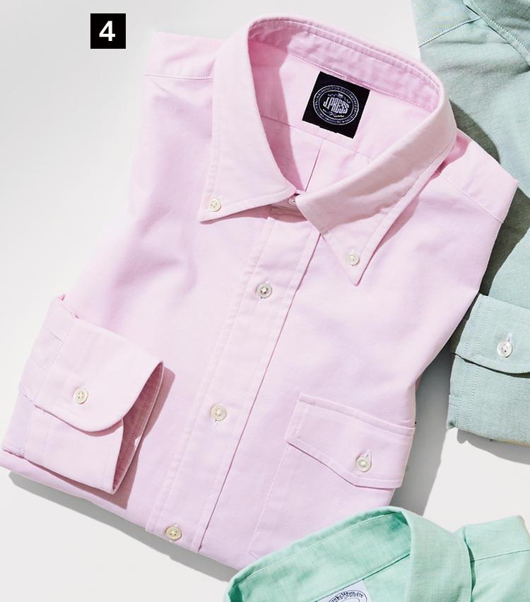 <strong>《4》J.PRESS / J.プレス</strong><br />2代目社長となるアービン・プレス氏が1938年に考案した、通称「アービンB.D.」。蓋付きの胸ポケットがさりげない主張を添えるこのシャツは、そもそもがイエール大学の学生に向けてデザインされたもの。アイビーの正道をいく存在だ。1万2000円(オンワード樫山 お客様相談室)