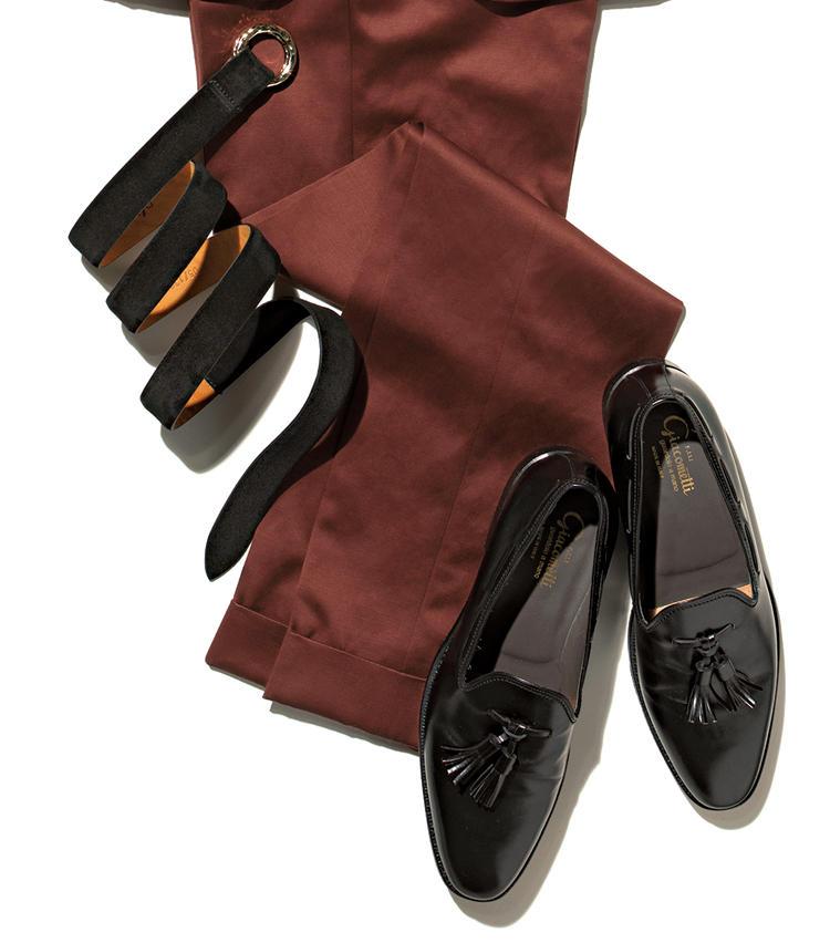 《Belt》リングベルトで腰回りも軽やか<br>《Shoes》紐靴よりもスリッポンが◎