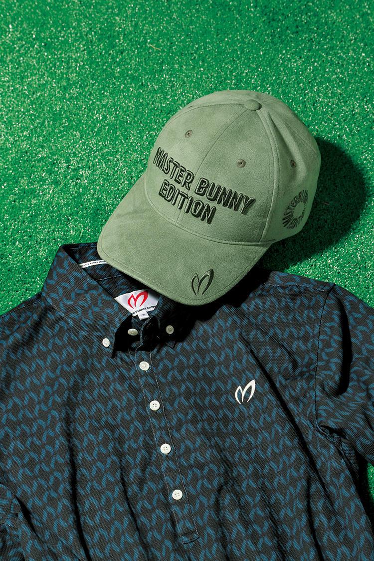 <p><b>MASTER BUNNY EDITION<br>マスターバニーエディションのキャップ</b><br>ロゴを立体的に施した定番キャップは、ヌバックレザー調のポリエステルで季節を先取り。ポロシャツは涼しく着られる夏仕様でも、帽子一つで秋を呼び込める組み合わせの好例だ。額に当たる部分は外して洗えるので衛生的。5800円(マスターバニーエディション) ポロシャツ2万円/マスターバニーエディション(マスターバニーエディション)</p>