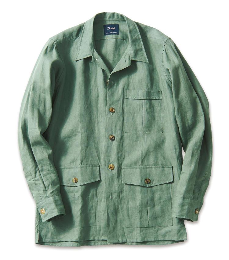 <span style=font-size:1.1em;><strong>DRAKE'S / ドレイクス</strong></span><br /><strong>優雅なシワ感が涼しげなリネン100%素材</strong><br />自社傘下のシャツファクトリーで作られる英国製のワーク調シャツジャケット。リネン100%の風合いが涼やかな一着だ。袖はボタンカフなので、シャツのように袖口をロールアップするのもサマになる。3万6000円(ビームスF)