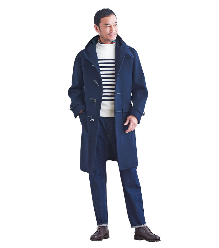 <span style=font-size:1.1em;><strong>【着まわし3】 休日スタイルもフレンチ風が今年らしい</strong></span><br />「フレンチテイストにまとめた休日スタイルです。'80年代ではボートネックのバスクシャツにスカーフを巻くスタイルがお決まりでしたが、それをアレンジしてボーダーニットにネッカチーフという合わせに。靴もフランスのブランドをチョイスしています。デニムはあまりピタピタではなく、程よくゆとりのあるものが今どきですね。インナーはタートルネックなども好相性です」。<br /><span style='font-size:0.8em;'>ニット3万9000円/ルトロワ、パンツ3万7000円/カンタータ、ネッカチーフ1万4000円/フランコ バッシ、靴7万円/パラブーツ(以上ビームス 六本木ヒルズ)</span>