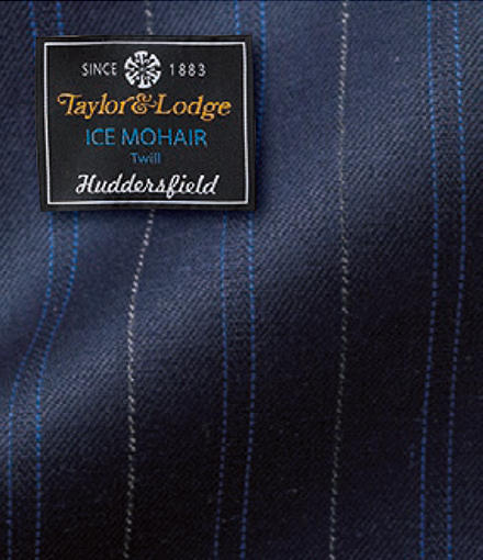 <font size='4'><b>1.テーラー&ロッヂのアイスモヘア ツイール</b></font><br /><br />「メリノ種の極細原毛であるラムズゴールデンベール70%とキッドモヘア30%の混紡素材。キッドモヘアとラムズゴールデンベールの混紡により、モヘア混素材の中ではとてもソフトに。ただモヘア特有のハリや上品な光沢もあります」