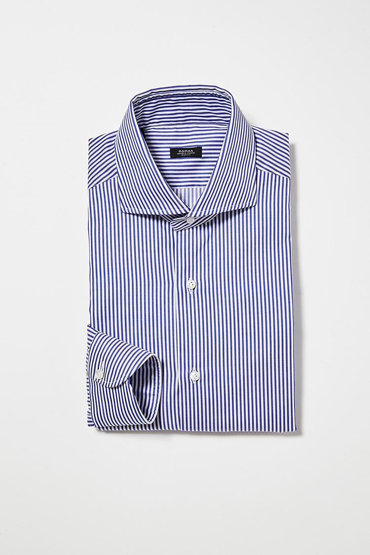<b>4.バルバのロンドンストライプシャツ</b><br>ノータイも決まるように、襟を小さめにした新作「NEW BRUNO」。2万7000円(ビームス ハウス 丸の内)<br /><a class='u-link--ex' href='http://www.beams.co.jp/item/beamsf/shirt/21110061607/' target='_blank'>商品詳細ページ(外部)</a>