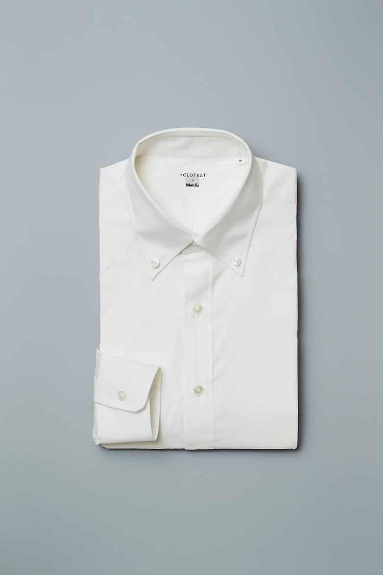 <strong>ギザコットンブロード ボタンダウン</strong><br />ドレッシーな素材をスポーティなボタンダウンにすることで、上質素材のスーツにも合わせやすくなっている。8500円
