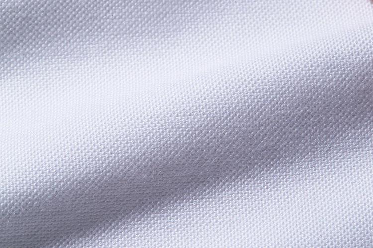 <strong>ギザコットンブロード</strong><br />エジプト高級綿のギザコットンは、肌触りの良さと、見た目の高級感を兼備する。
