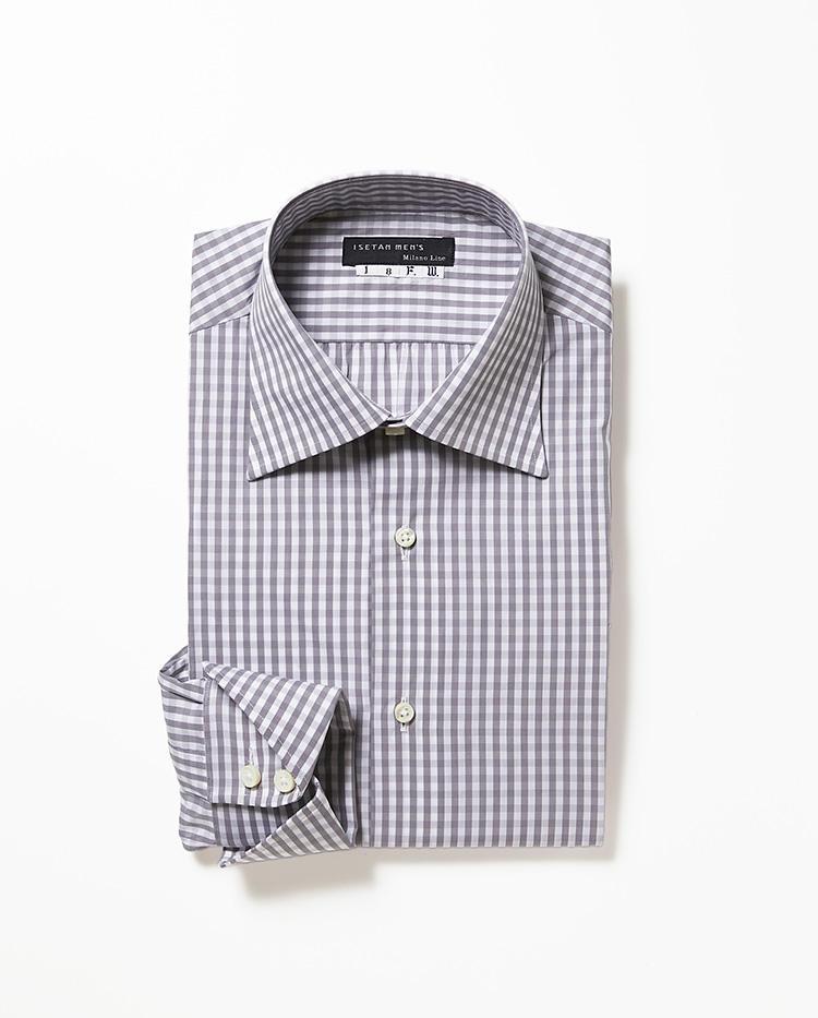 <b>5.イセタンメンズのグレーギンガムシャツ</b><br />生地や衿型、サイズなどを選べる好評のパターンオーダーシャツ。レギュラーカラーのギンガムチェックシャツは、控えめな色柄が着回しやすい。2万円〈オーダー価格〉(伊勢丹新宿店)