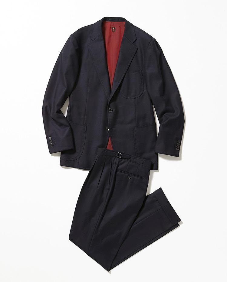 <b>1.ルビナッチのネイビースーツ</b><br />イタリア・ナポリのシングルスーツは、希少なエスコリアルウールを用いた最上級品。スーツ36万円、ジャケットのみ23万4000円〜〈以上オーダー価格〉(伊勢丹新宿店)