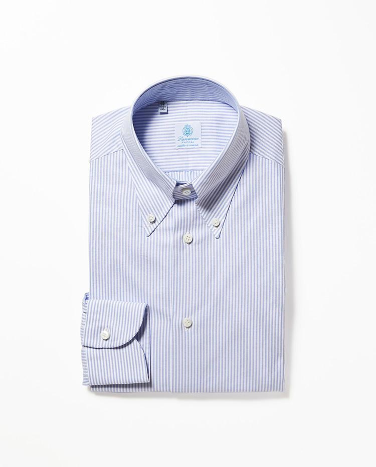 <b>4.ヴァナコーレのブルーストライプシャツ</b><br />元ルイジボレッリの職人による、ハンド仕立てを多用したクラシックなシャツは、肩周りの柔らかい雰囲気が見どころ。ジャケットを脱いでも様になる。2万6000円(伊勢丹新宿店)