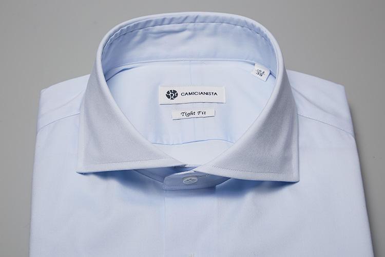 <b>【ホリゾンタル】</b><br />フォーマルに用いられる襟型だが、ノータイで着たときも襟元が上品に見えることで人気の高い襟型。