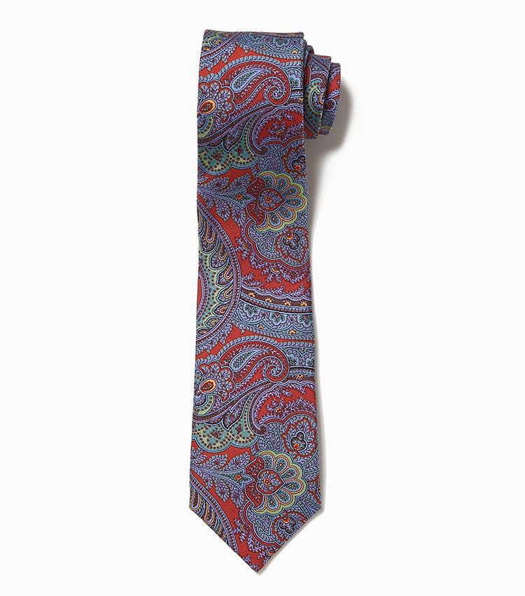 <b>12.アトリエ F&Bのペイズリー柄ネクタイ</b><br />フランス製のペイズリーネクタイは、繊細なタッチの柄行きや気品に満ちた優しげな色調が、特に女性に好印象をもたれやすい。1万4000円(デザインワークス)