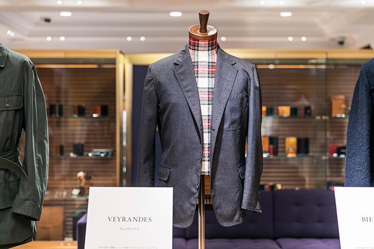 <strong>VEYRANDES(ヴェイランデス)のジャケット</strong><br />'90年代前半に展開していたパリ発のブランド。メイド・イン・フランスながら、パッチ&フラップのポケットやセンターベントなどアイビーテイストも盛り込まれた独特な一着。