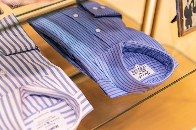 <strong>PETER & MAGEE(ピーター&マギー)、HAINES & BONNER(ヘインズ&ボナー)のストライプシャツ</strong><br />こちらも懐かしの英国シャツファクトリー製だが。今のスーツにも合いそうな色柄使いが新鮮。