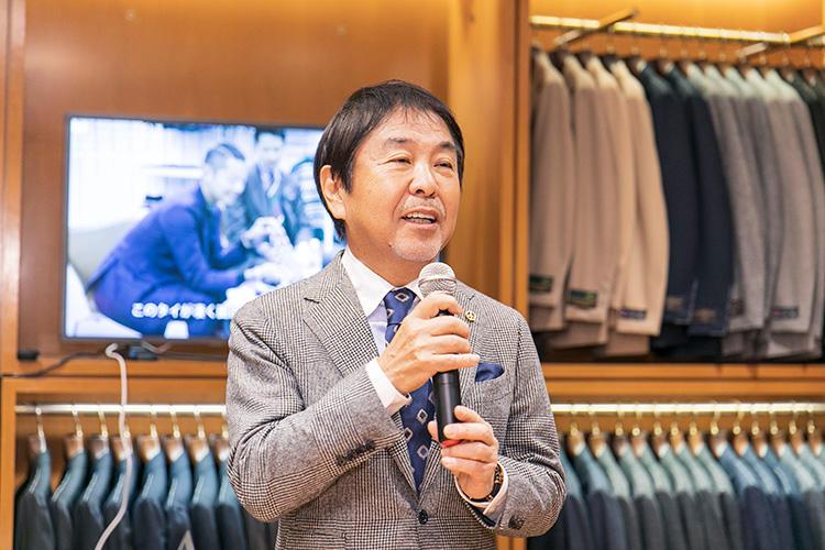 ビームスFの顧客や取引先、メディア関係者を招き、原宿のビームスF店内で行われたパーティ。代表取締役社長・設楽 洋さんも登場し、同店の歴史を振り返りつつ謝辞を述べた。