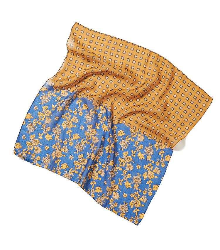 <b>18.ジエレのプリントスカーフ</b><br />クラシックなスーツにトレンド回帰している今、スカーフなどの巻き物もヴィンテージライクなほうがお洒落に見える。たとえばネクタイの柄にありそうな、小紋柄×花柄をかけあわせたこんな一枚がおすすめ。65×65cm。9000円(ビームス 六本木ヒルズ)