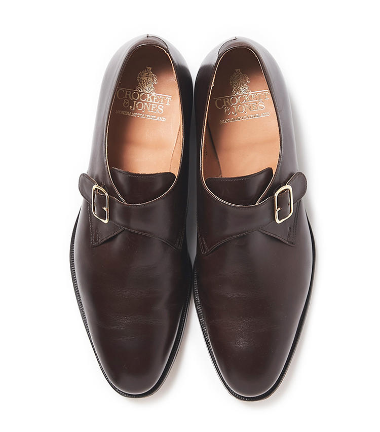 """<b>21.クロケット&ジョーンズの茶のモンクストラップシューズ</b><br />通称""""シングルモンク""""とよばれるこの靴はビジネスシューズの定番靴。なかでも堅牢な英国靴として人気が高いクロケット&ジョーンズの「マルバーン」は、安定したフィット感と返りの良いソールで履き心地に優れている。7万9000円(ビームス 六本木ヒルズ)"""