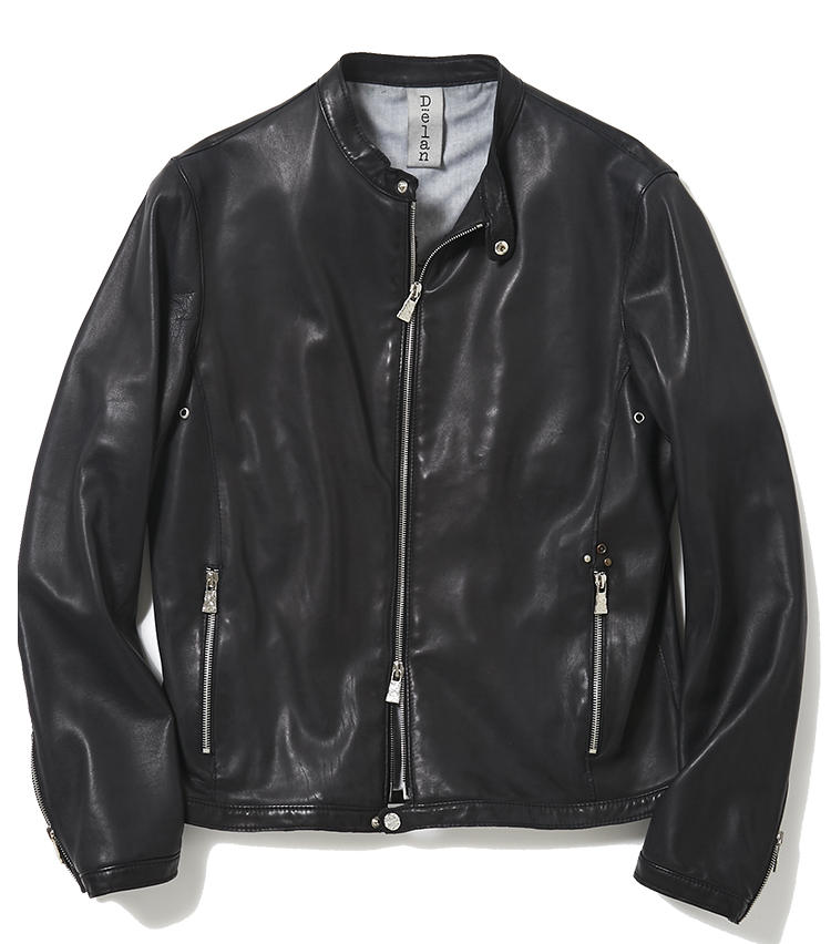 <b>16.デランのライダースジャケット</b><br />ベーシックからアバンギャルドまで、様々なテイストのレザーウェアを手掛けるファクトリーブランド。薄くて柔らかい羊革によるライダースジャケットは、黒でもワイルドすぎず日々の着こなしに取り入れやすい。肩の凝らない軽さもミドル世代に魅力的だ。11万円(ジェンテ ディ マーレ)