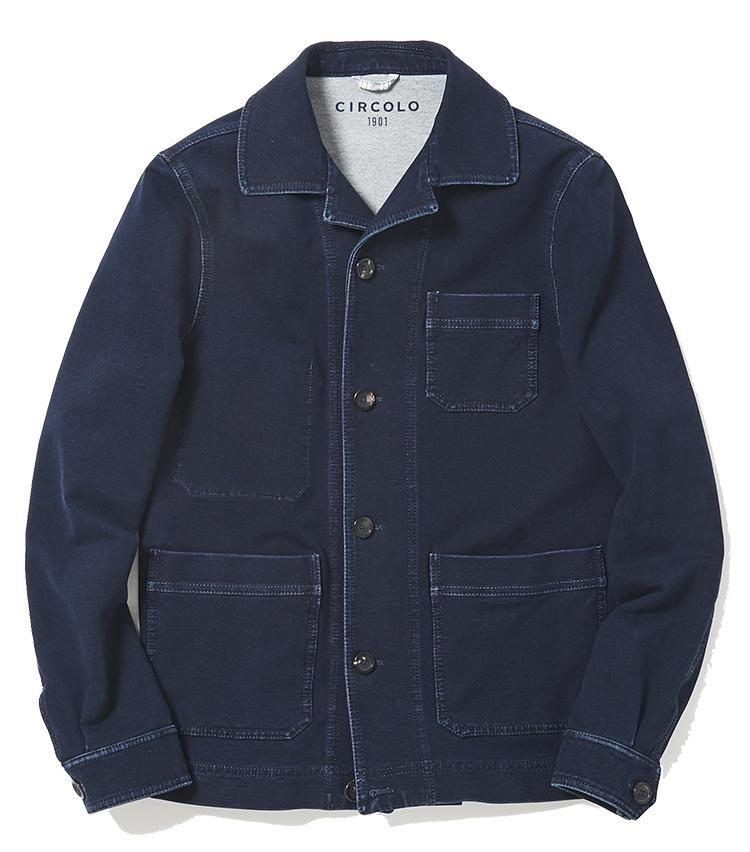 <b>18.チルコロ 1901のジャージジャケット</b><br />スエード素材のように見えて実はジャージ素材。ジャケットでもスプリングコートでもない、こんなアウターが一着あると着こなしに幅が出る。濃紺なのでデニムのワークジャケット感覚で着回しやすい。4万6000円(ジェンテ ディ マーレ)